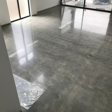 Grey floor with concrete grinding & polishing
