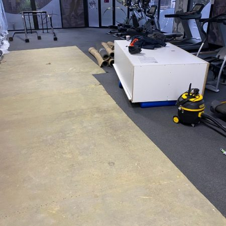 Get your carpet removed with our floor removal service